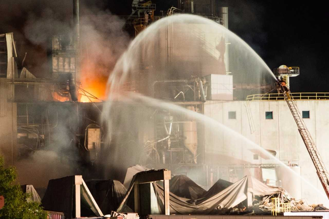 1 dead, several hurt after explosion at Wisconsin corn milling plant