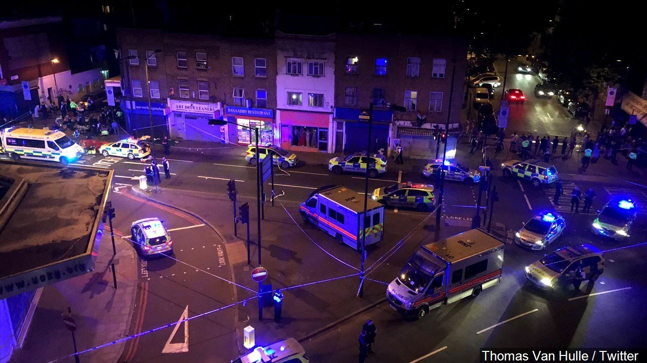 PHOTO: Police at the scene, one person is dead, and eight are in hospital after a van slammed into crowds of pedestrians in Finsbury Park, north London, Photo Date: June 18, 2017