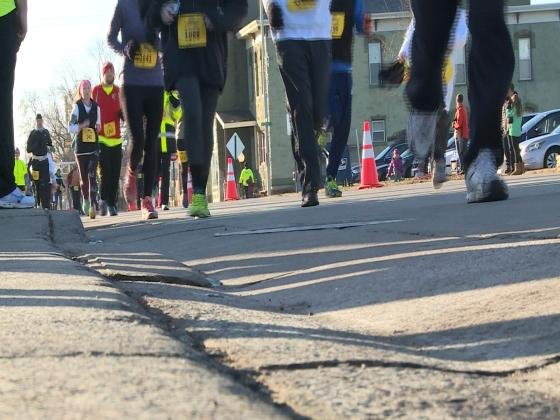 Almost  2K people participate in 31st annual Turkey Trot
