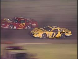 Jeremy Lepak (#40) races Matt Kenseth (#17) at the Slinger Nationals