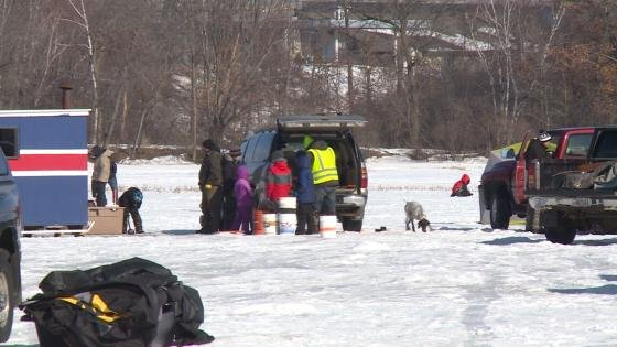 Kids battle it out in rib mountain ice fishing contest for Ice fishing iowa