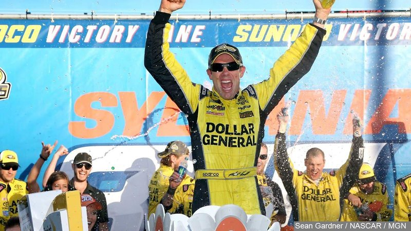 Kenseth holds off larson for thrilling victory at dover for Champion motors waterloo iowa